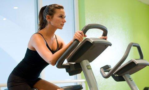 Lezersvraag; Klopt het aantal calorieën wat je verbrandt op een cardiotoestel?