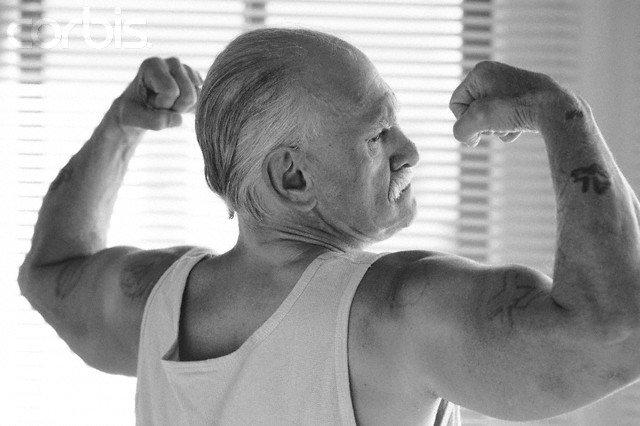 Senioren vallen minder vaak door krachttraining