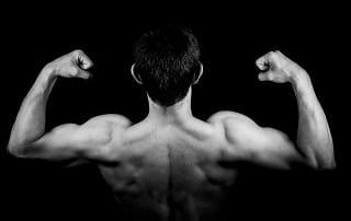 Rugspieren trainen thuis zonder gewichten