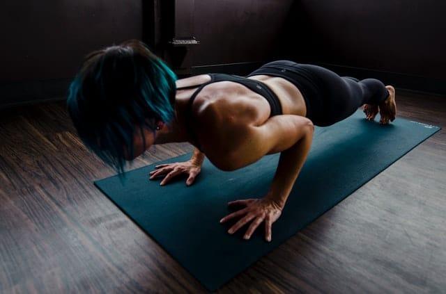 Hoe verzwaar je fitness oefeningen voor thuis
